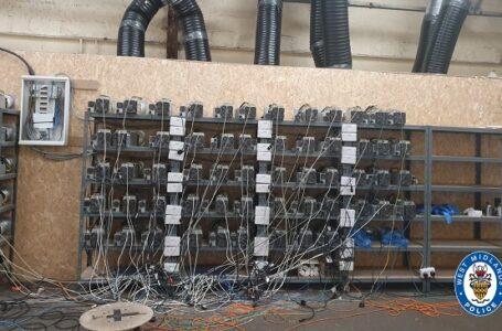 Polis Bir Fabrikaya Uyuşturucu Baskını Yaptı, Kaçak Bitcoin Madenciliği Yapıldığını Tespit Ettiler
